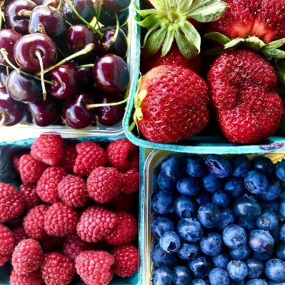 healthy breakfast foods local berries