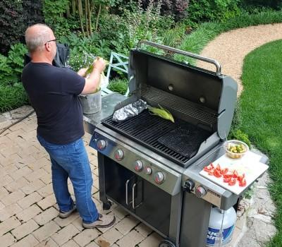 dad grilling veggies